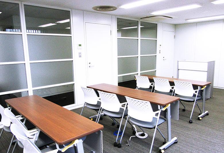 千葉事務所の大会議室